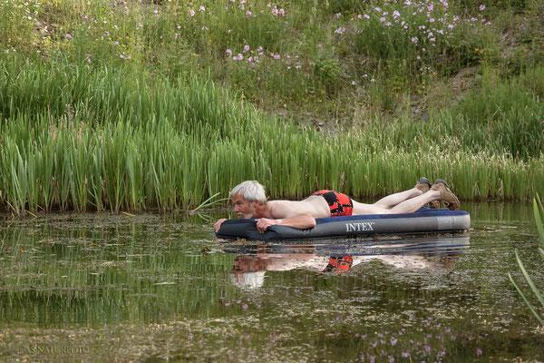 Nicht im Urlaub, sondern auf Schilkrötenjagd, Gerwin Bärecke.  Foto: Regine Schulz