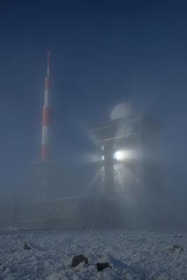 Langsam löst sich der Nebel auf.