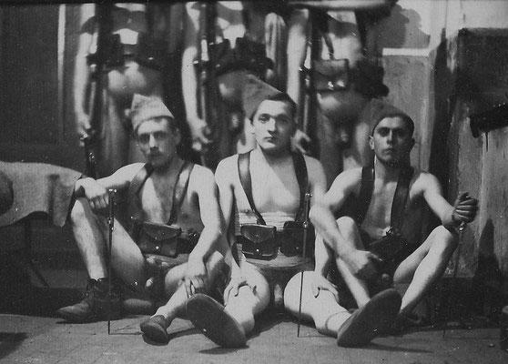"""""""Ma cartouchière et mon couteau"""" - les bleus - années 1930"""