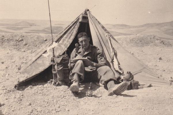 Tente modèle 1951 camouflée en Algérie
