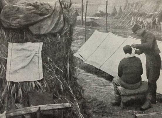 1915, la serviette individuelle chez le barbier