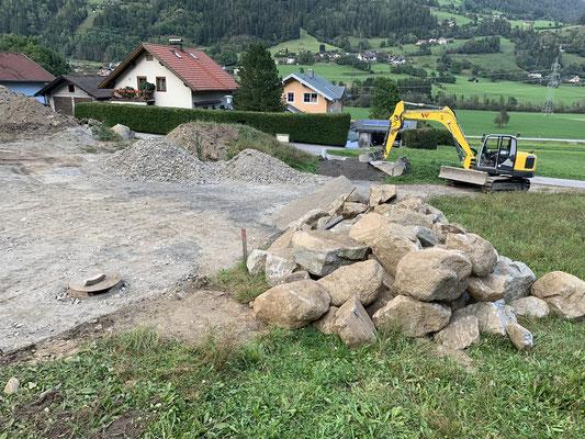 Außenanlage, Zufahrt und Steinmauer EFH Penk Gemeinde Reisseck
