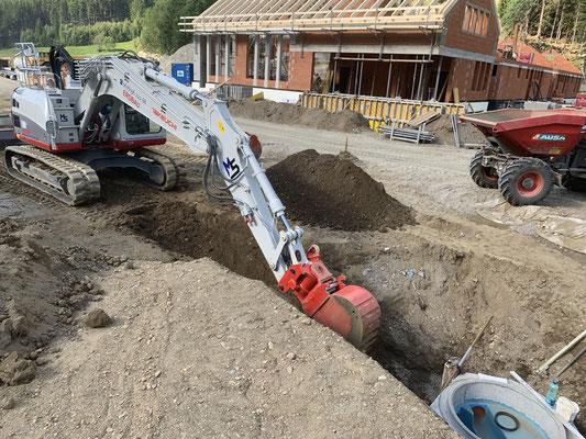 Leitungsbau in Mallnitz mit 15to Bagger Hoch Oben