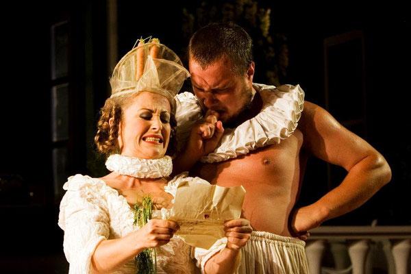 SMERALDINA in DER DIENER ZWEIER HERREN copyright Theater Koblenz