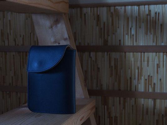 京都のバッグメーカー 革や帆布製のかばん・小物 レザーウォレット(ネイビー)