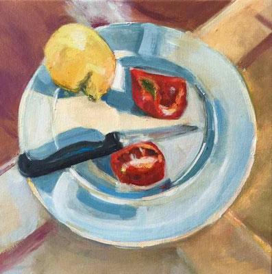 Zitrone, Tomate und Messer, 2017, Mischtechnik auf LW, 40x40 cm
