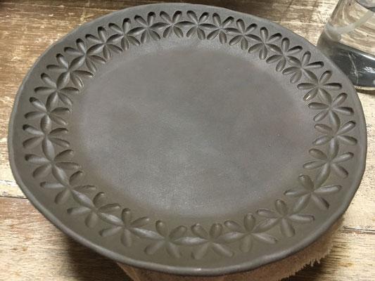 Ф20cm位の大きめの取皿にアスタ彫り