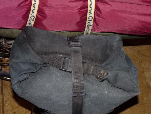 Voilá: Eine jederzeit zugängliche Backpacker-Tasche mit verlängertem Riemenstück