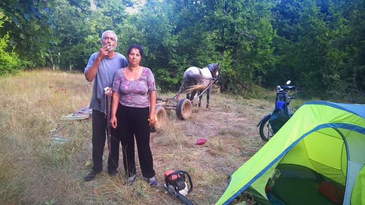 Erst war ich sauer, als mich das Roma-Paar frühmorgens aus meinem Zelt quasselte.
