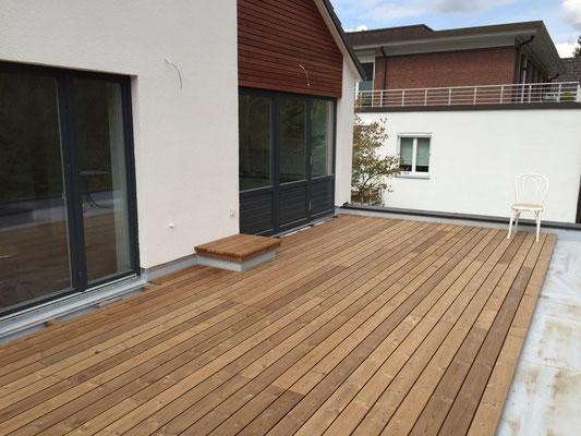 Anlegen einer Dachterrasse auf dem Anbau
