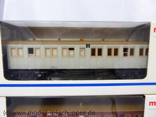 A 75 der Königlich Württembergischen Staatseisenbahnen (K.W.St.E.). Plattformwagen / Märklin 42142