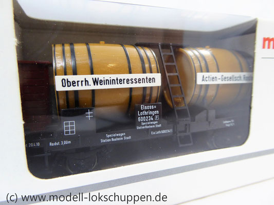 Märklin 4432 / Weinwagen mit Bremserhaus     3
