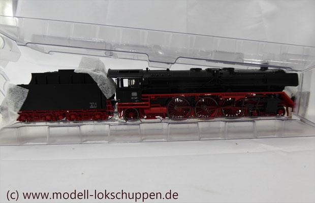 Märklin 39010 Schnellzuglok BR 01 DB Spur H0   3