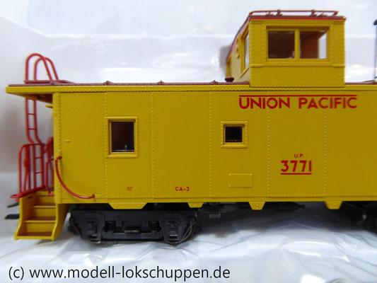 Märklin 45702 Güterzugbegleitwagen Caboose CA 3/CA-4 der Union Pacific Railroad    6