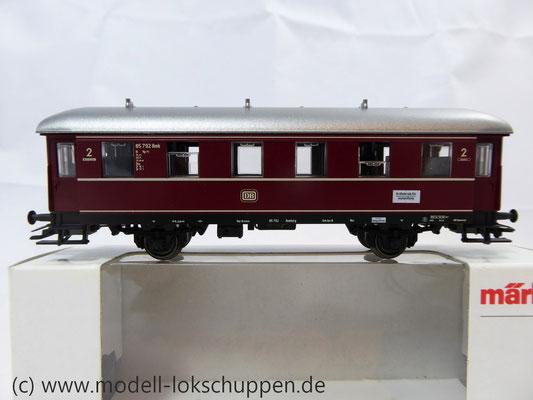 Märklin 4335 / Nebenbahnwagen der DB rot 2 Klasse    1