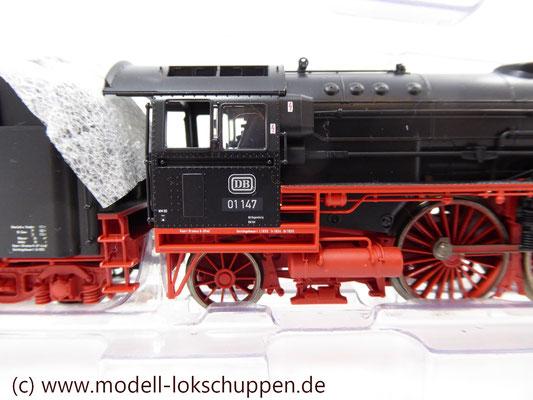 Märklin 39010 Schnellzuglok BR 01 DB Spur H0   5