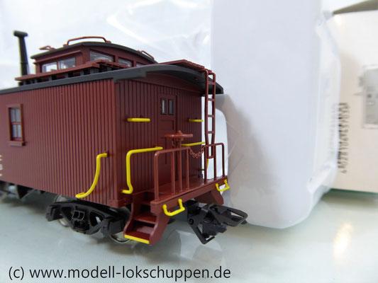Märklin 45703 Güterzugbegleitwagen Caboose Serie 19000 der New York Central System    6
