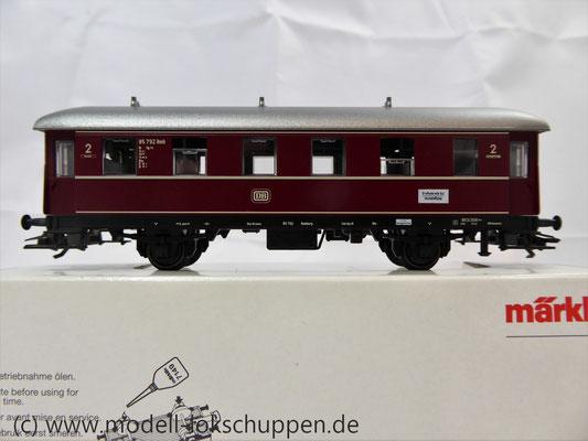 Märklin 4335 / Nebenbahnwagen der DB rot 2 Klasse    2