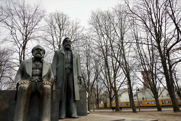 08.03...Berlin-Marx & Engels