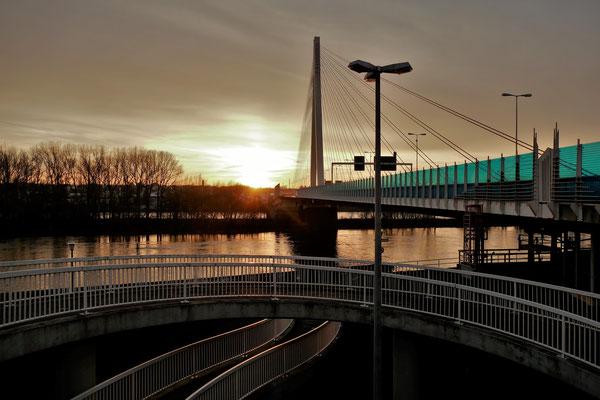 19.01...NR-Raiffeisenbrücke