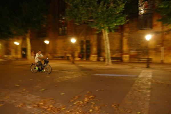 29.07...Place de la Cathédrale