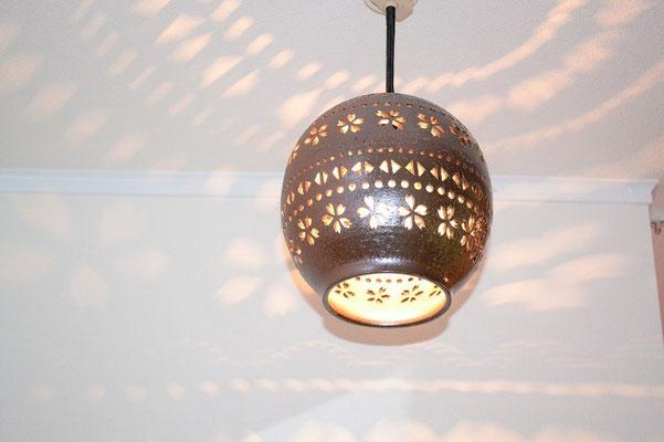 LEDだから面倒な電球付け替えはなし