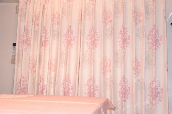 キッチン&ダイニングのカーテン。特注品です。