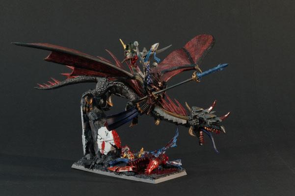 Schreckensfürst auf schwarzem Drachen