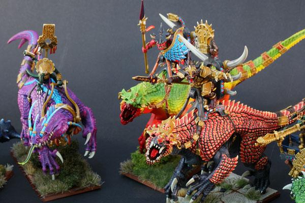 2 Carnosaurier und 1 Troglodon