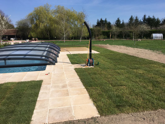 Terrasse de piscine, La Levraudière Cheverny
