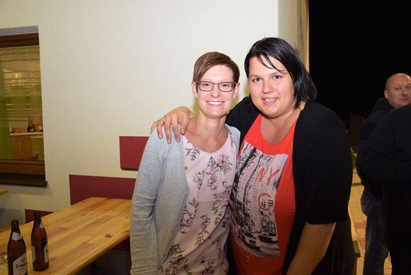 Kantinenpersonal Bianca Dorn und Anita Anderl