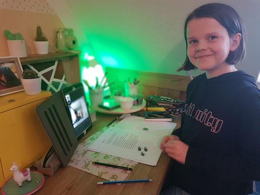 Homeschooling: via iPad mit dem Kumpel verbunden