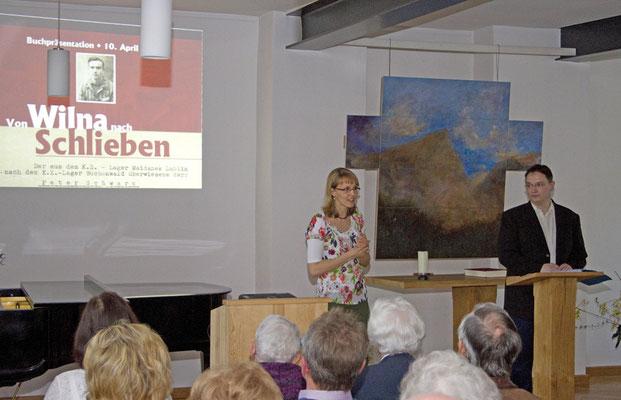 Verlegerin Stephanie Kammer (links) begrüßte die Gäste