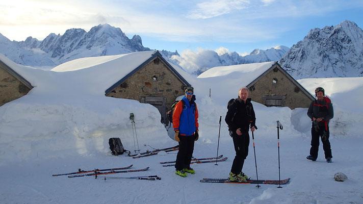 Au matin Andy, Peter et Richard prêts au départ