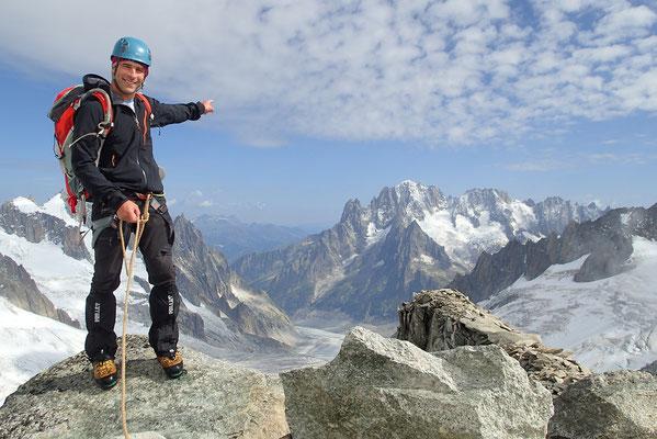 Yann au sommet de l'Aig de Toule, avec vue sur la Verte
