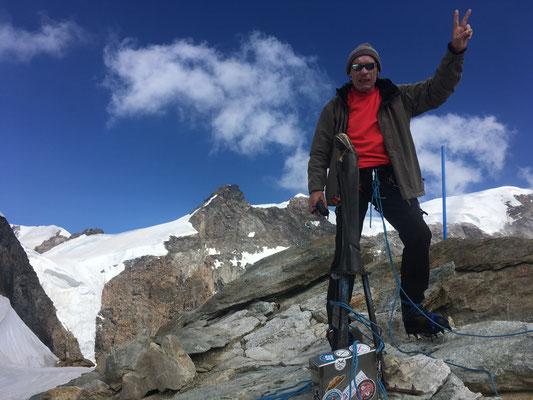 Renzo au sommet de la Punta Giordani. Grand bravo !