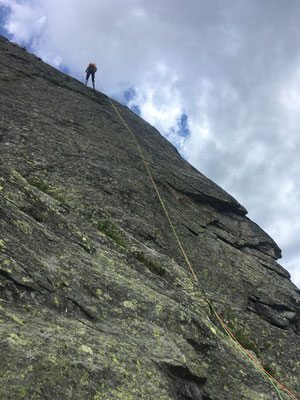 Descente du sommet en rappel