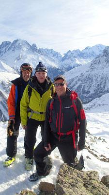 Andy, Peter et Richard au sommet du Charmoz