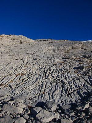 Sales, c'est aussi un livre de géologie à ciel ouvert.