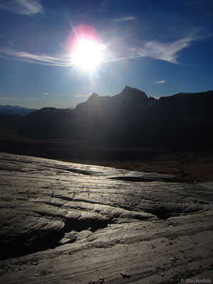 Traversée sur de belles dalles sédimentaires