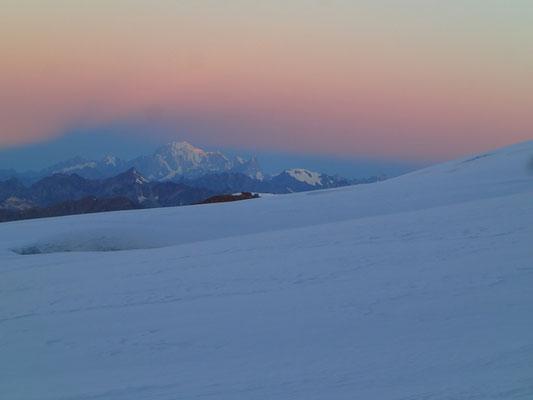 Coté Mt-Blanc, les lumières changent...