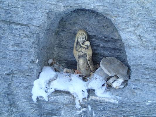 Petite prière à la Vierge du Rocher Blanc