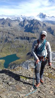 Benoit pose coté Anterne, avec le lac et La Verte !