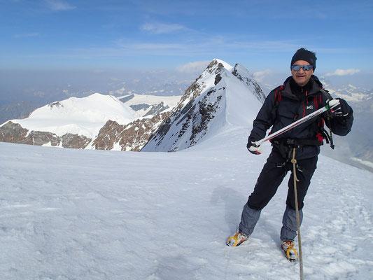A la selle 4417 m, petite pause avant de remonter