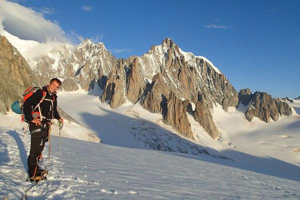 Regard vers la Vallée Blanche et le Glacier du Géant