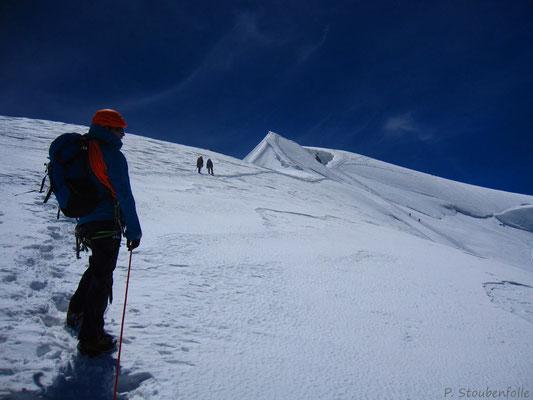 Nous voilà sortis de la voie. Fred se dirige vers le sommet du Tacul.