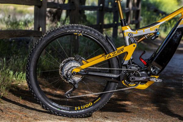 Pirelli erweitert seine Präsenz in der E Offroad Welt und präsentiert Scorpion E MTB, seine erste Reifenlinie für Elektro