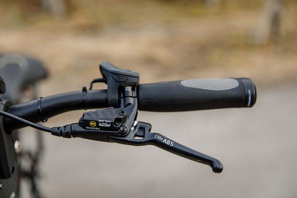 Pegasus Savona (Bremshebel) / Die Bremshebel sowie die Bremsanlage selbst stammen von Magura, die branchenführend bei Scheibenbremsen für hochwertige E-Bikes sind. ©Pegasus