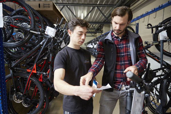 Sämtliche nötigen Wartungs- und Reparaturarbeiten werden im Dialog mit dem Kunden erläutert. © ZEG