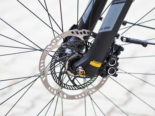 Flyer Upstreet 4 / Auch an der doppelten Bremsscheibe ist das ABS am E-Bike erkennbar. ©Flyer
